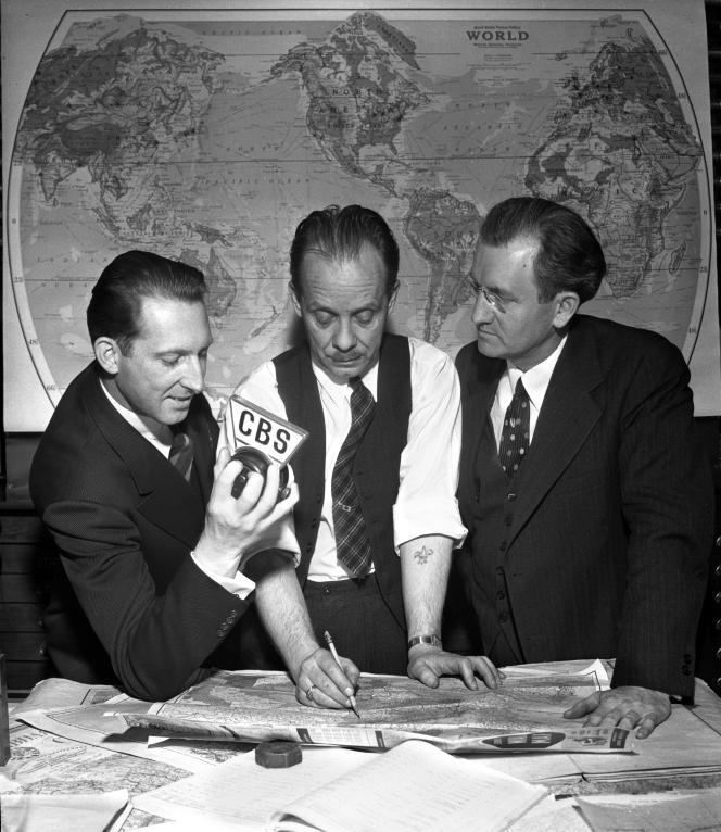 Journalistes chez un éditeur de cartes géographiques, à Chicago, en 1940
