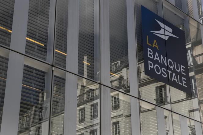 Siège social de La Banque postale à Paris, le 7 septembre. L'Autorité des marchés financiersa accordé, mardi 25 juin, une dérogation à banque publique pour qu'elle puisse prendre le contrôle de CNP sans passer par une offre publique d'achat.