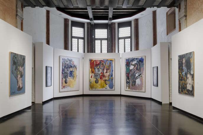 Vue d'ensemble de l'exposition consacrée à Georg Baselitz à l'Accademia, dans le cadre de la 58e Biennale de Venise.