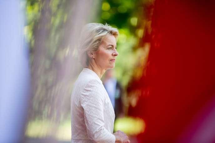 La ministre allemande de la défense, Ursula von der Leyen, le 25 juin à la villa Borsig, près de Berlin.