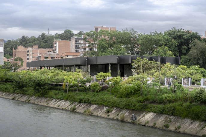 Le projet « Parques del rio », à Medellin (Colombie) prévoit d'enterrer des kilomètres de voies urbaines.