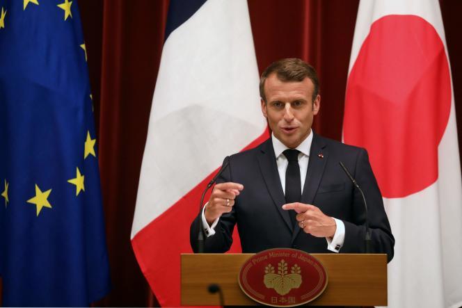 Emmanuel Macron lors d'une conférence de presse avec le premier ministre japonais, Shinzo Abe, à Tokyo, mercredi 26 juin 2019.