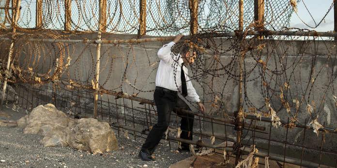 Aux Rencontres d'Arles, les frontières hérissées de l'Europe s'exposent