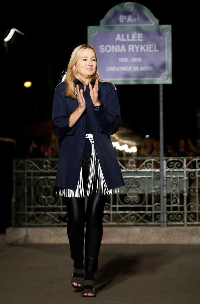 La directrice artistique de Sonia Rykiel, Julie de Libran, lors de la Fashion Week, à Paris, en septembre 2018.