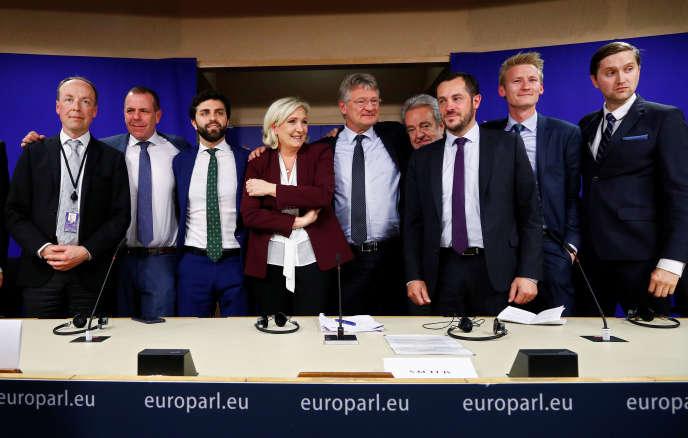 La nouveau groupe d'extrême droite « ID» veut représenter les intérêts des nationalistes au Parlement européen, à Bruxelles, le 13 juin.