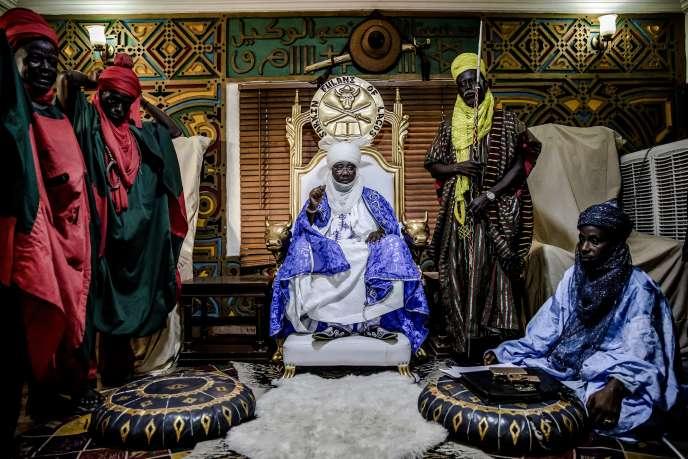 Le roi peul Mohammed Abubakar Bambado dans son palais du quartier de Surulere, à Lagos, au Nigeria, le 28avril 2019.