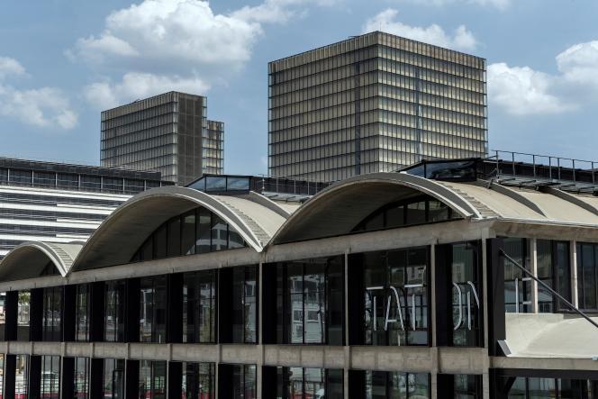 Station F, dans le 13e arrondissement de Paris, se veut le plus grand campus de start-up au monde. Elle en héberge un millier.