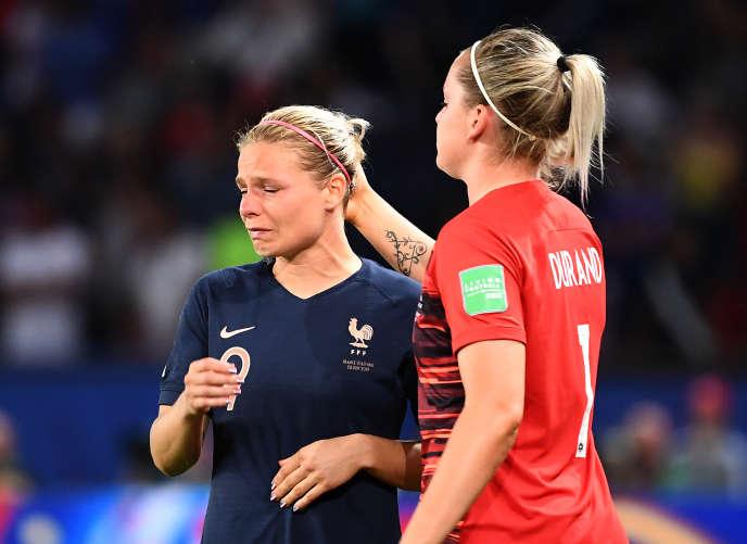 Les Bleues n'ont pas su résister aux n° 1 mondiales, triples championnes du monde (1991, 1999, 2015) et quadruples médaillées d'or aux Jeux Olympiques (1996, 2004, 2008, 2012).