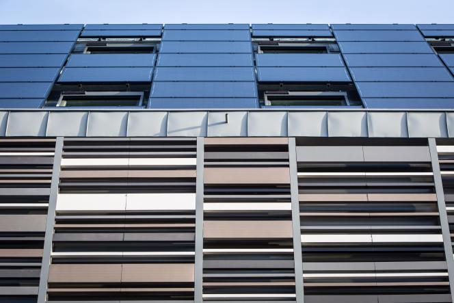 Le Rizomm, un bâtiment rénové autoproducteur et autoconsommateur d'électricité, devenu une vitrine de la transition énergétique, en mai 2018.