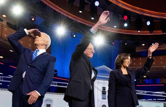 Joe Biden, Bernie Sanders et Kamala Harris lors du deuxième débat des candidats démocrates à la présidentielle, à Miami (Floride), le 27 juin.