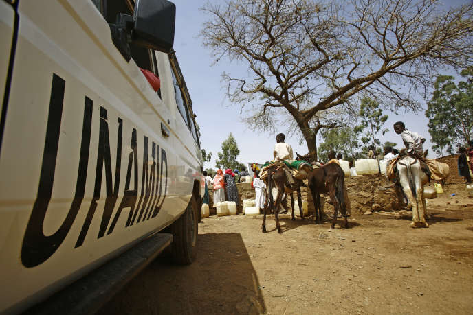 Un véhicule de la Minuad à Golo, dans la région soudanaise du Darfour, le 19juin 2017.