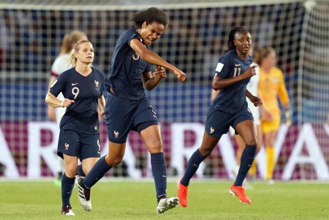 Malgré le but de Wendy Renard, l'équipe de France féminine s'incline en quarts de finale de la Coupe du monde, contre les Etats-Unis.