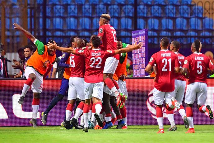Les Zébus de Madagascar célèbrent leur victoire face aux Super Eagles nigérians (2-0), le 30 juin 2019 au stade d'Alexandrie.