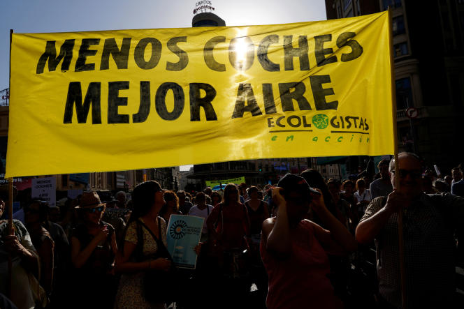 Manifestation en faveur de l'aire « Madrid Central», interdite aux véhicules polluants, le 29 juin, à Madrid.