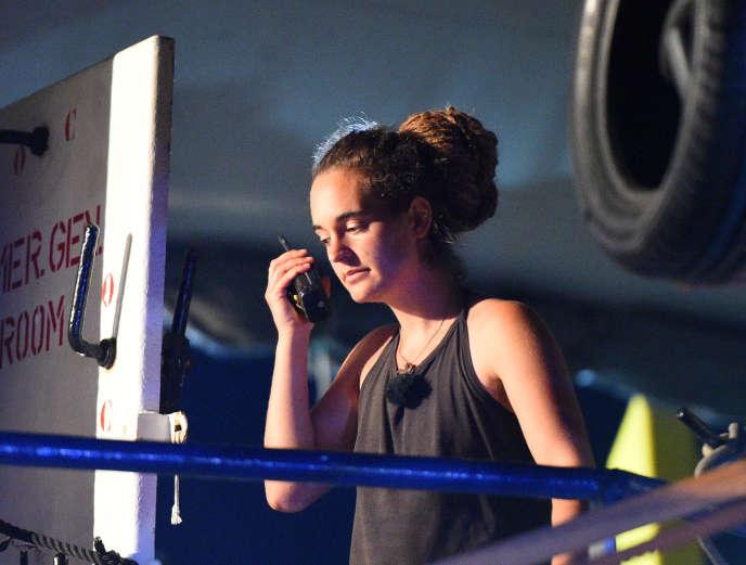 La capitaine du « Sea-Watch 3», Carola Rackete, à bord du navire, à son arrivée à Lampedusa, en Italie, le 29 juin.