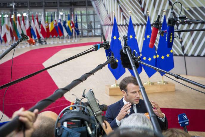 Arrivée d'Emmanuel Macron, président de la république, au sommet européen pour la désignation des