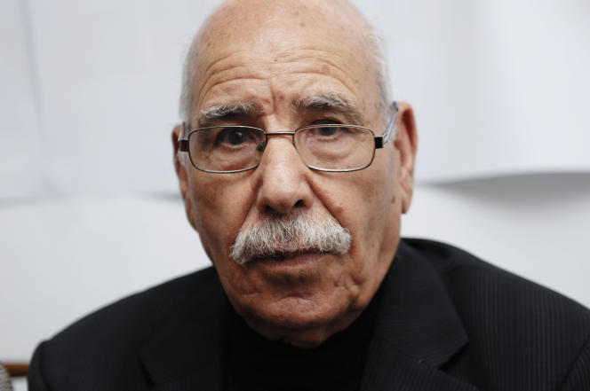 Lakhdar Bouregaâ à Alger, en 2015.