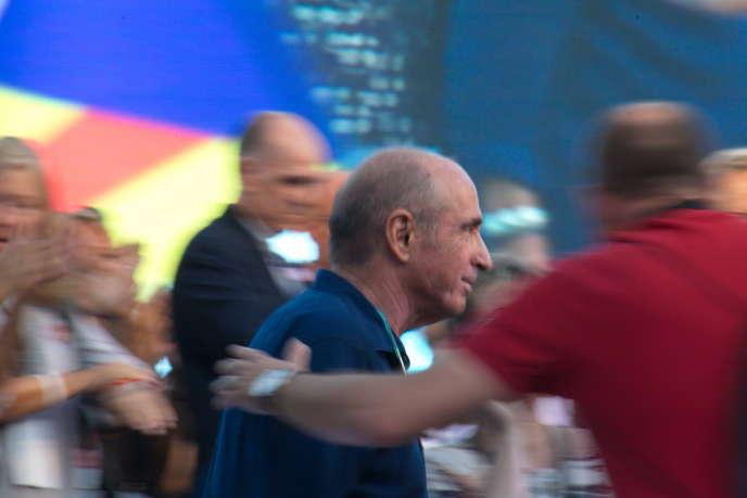 L'écrivain catalan Lluis Llach, le jour de la présentation de listeJunts pel Si, à Barcelone, pour lesélections au parlement de Catalogne de 2015.Lluis Llach était à la tête de cette liste.