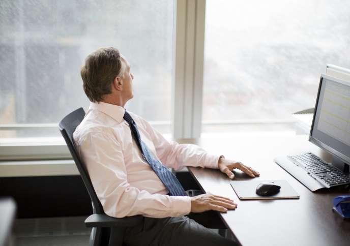 Le« bore-out» désigne l'inemploi dans l'emploi: les heures vides et creuses nourrissent un sentiment d'ennui et de déprime.