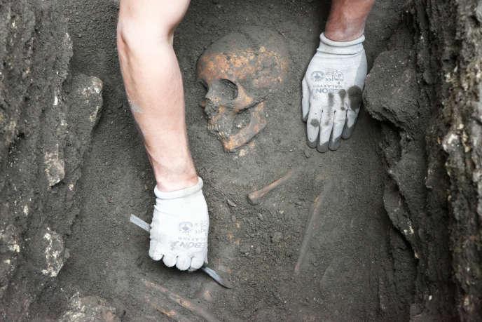 La sépulture antique découverte en juin 2019 dans le quartier latin