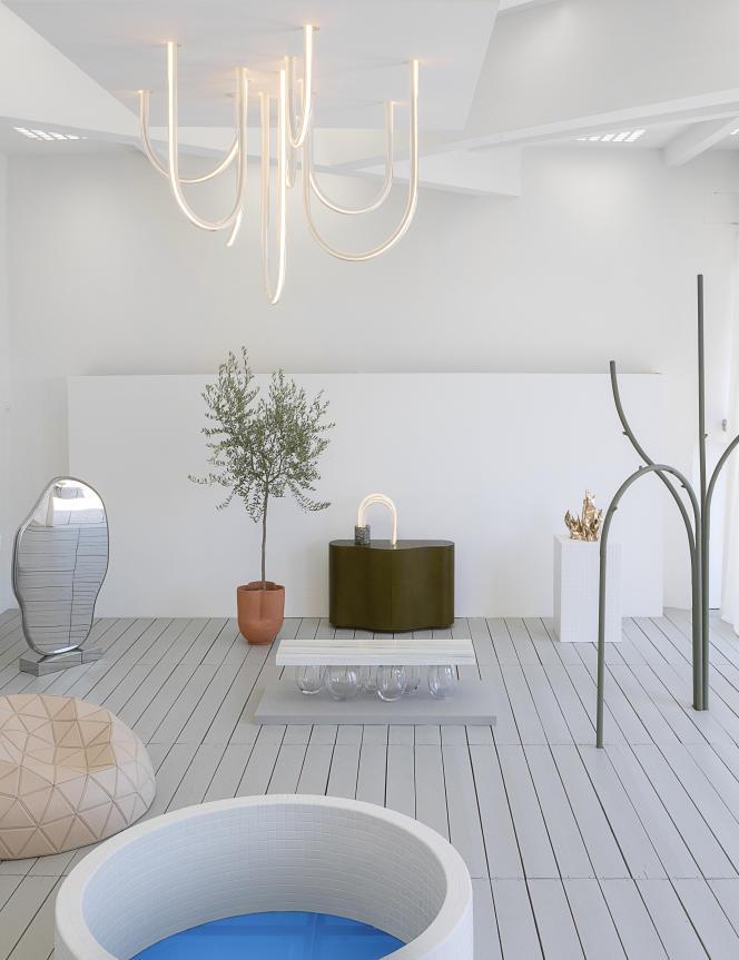 Exposition de Mathieu Lehanneur, baptisée «L'horizon des particules» dans la piscine de la Villa Noailles, pour la 14e édition de Design Parade Hyères.