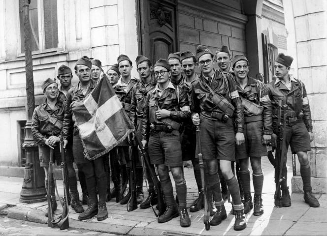 Des FFI à Vichy, peu après la libération de la ville le 26 août 1944.