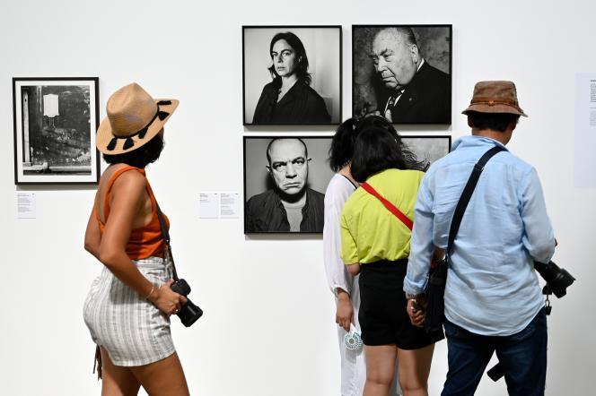 L'exposition «Quelle histoire ! Arles a 50 ans, la collection de rencontres», lors du festival de la photographie,à Arles, le 1er juillet.