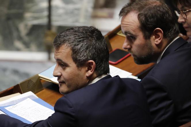 Les ministres Gérald Darmanin (à gauche) et Sébastien Lecornu, à l'Assemblée nationale, le 21 mai.