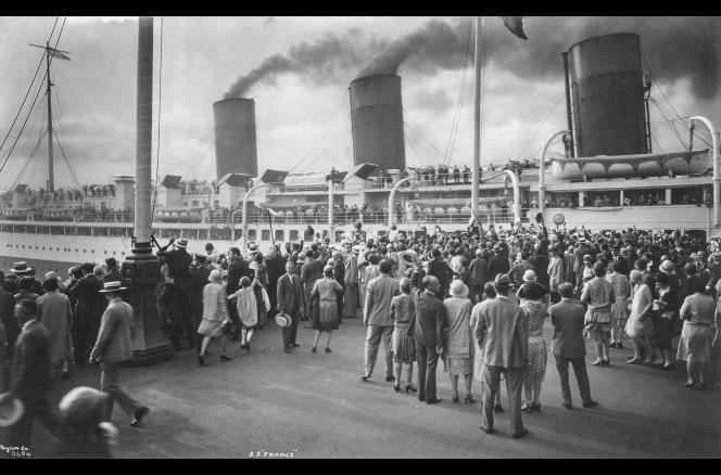 Le paquebot France (1912-1934) à New York.