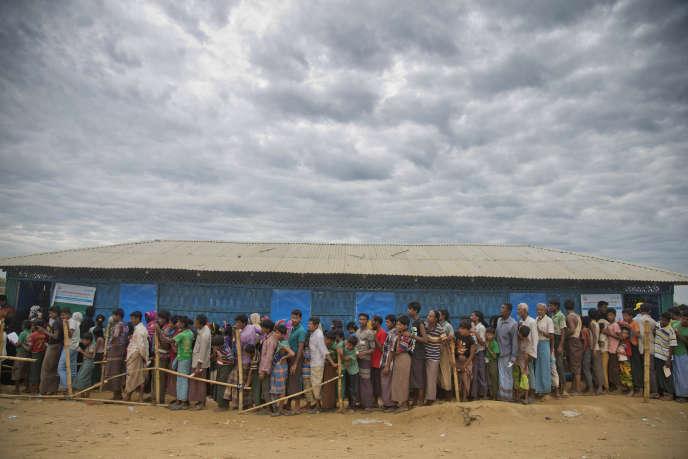 Des Rohingya ayant fui la Birmanie, en 2017 dans un camp àUkhiya, dans le district deCox's Bazar, auBangladesh.