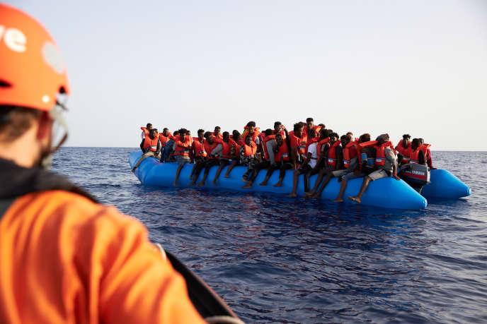 D'après l'Organisation internationale pour les migrations (OIM), 1 517 migrants ont trouvé la mort en tentant de traverser la Méditerranée.