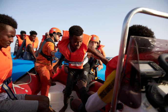 Lors d'une opération de sauvetage menée par l'«Alan-Kurdi», au large des côtes libyennes, le 5 juillet.