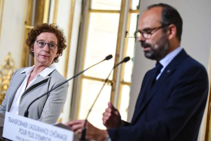 Muriel Pénicaud et Edouard Philippe annoncentune transformation du système d'indemnisation des demandeurs d'emploi, à Matignon le 18 juin.