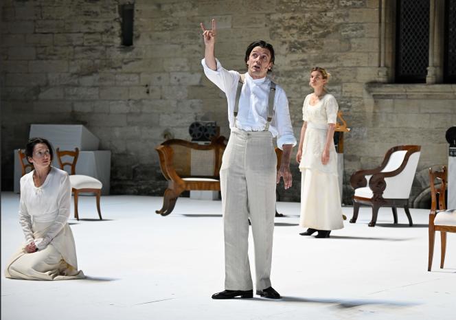 Anne Brochet, Stanislas Nordey et Marie-Sophie Ferdane dans « Architecture », de Pascal Rambert, lors d'une répétition, le 2 juillet, à Avignon