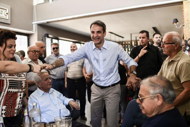 Kyriakos Mitsotakis, président de Nouvelle Démocratie (ND, droite), en meeting électoral dans la ville grecque d'Almyros, le 2 juillet.