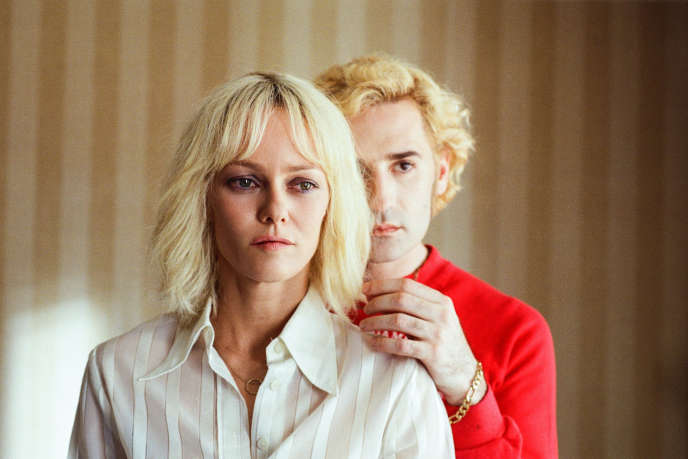 Vanessa Paradis et Nicolas Maury dans le film« Un couteau dans le cœur » de Yann Gonzalez.