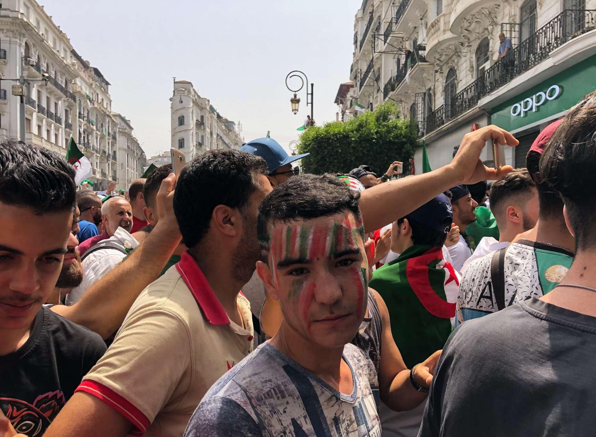 Dans la rue Didouche-Mourad, à Alger, le 5 juillet.
