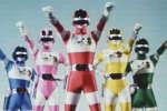 Le sentai est un genre de série japonaise super-héroïque. Diffusé à partir de 1985 en France, Bioman en est le représentant le plus connu dans l'hexagone. Retour sur ce genre très codifié dans l'archipel nippon et rencontre avec les acteurs de la série lors de la Japan Expo.