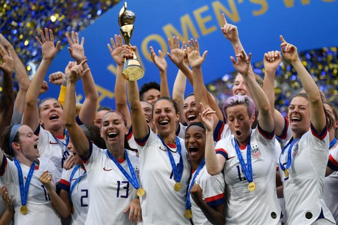 Les Américaines célèbrent leur quatrième sacre mondial à Lyon, le 7 juillet.