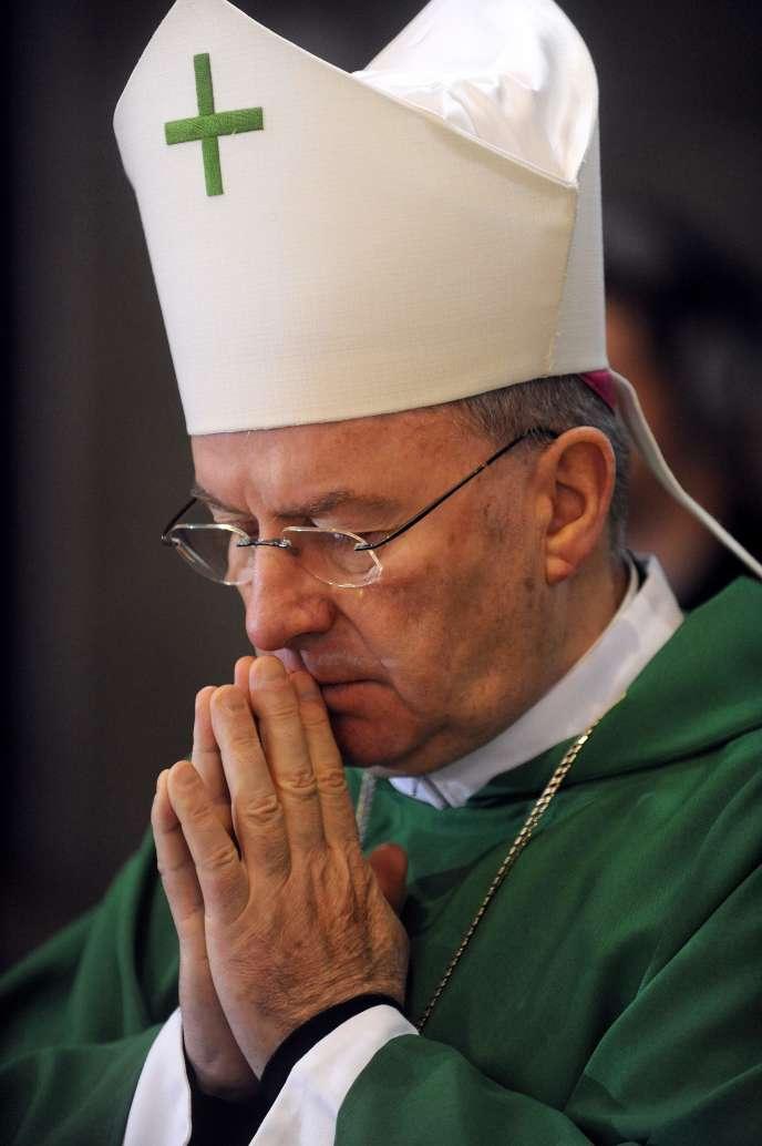 Luigi Ventura, nonce apostolique, en 2010 à Lourdes dans le sud de la France.