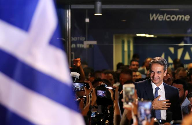 Kyriakos Mitsotakis après l'annonce de sa victoire aux législatives, à Athènes, le 7 juillet.