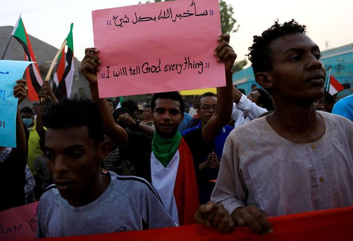 A Khartoum, au Soudan, slogan vu durant les manifestations du 27 juin 2019 : « Je dirai tout à Dieu ».