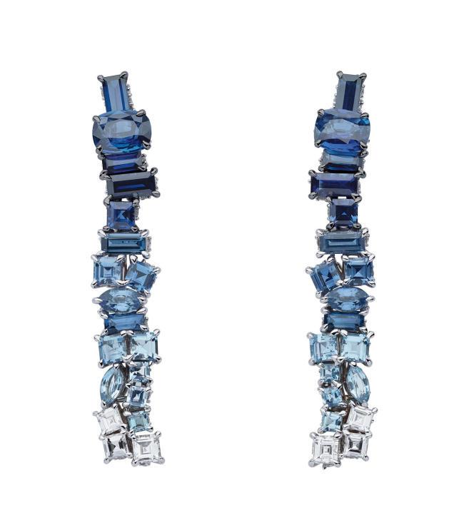 Boucles d'oreilles bleu azur saphir, Dior.