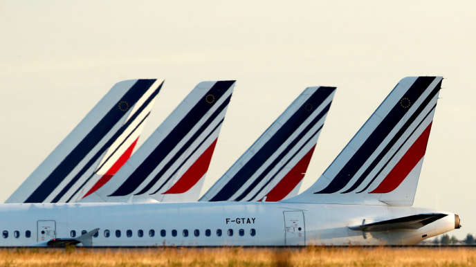 Cette commande d'Airbus A220-300 permettra de remplacer progressivement les A318 et A319 qui composent la flotte court et moyen-courrier d'Air France.