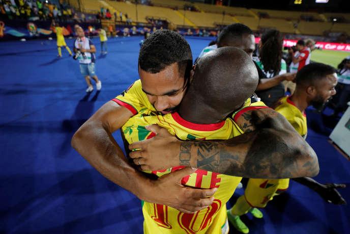 Les Ecureuils du Bénin célèbrent leur victoire face aux Lions de l'Atlasdu Maroc, en huitièmes de finale, au Caire, le 5 juillet 2019.