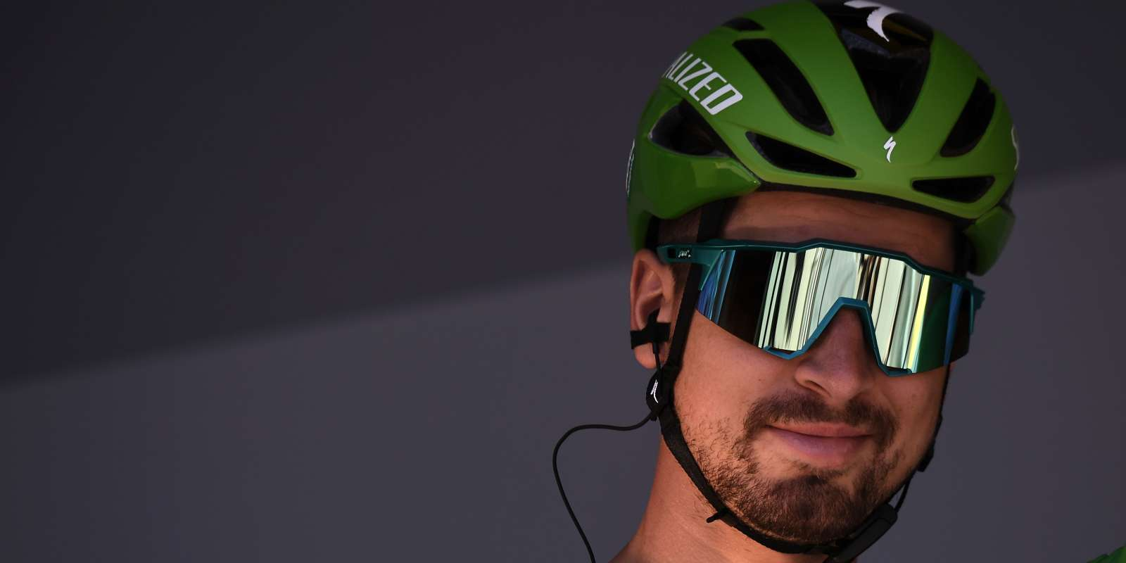 Slovakia's Peter Sagan, wearing the best sprinter's green jersey waits in the departing area during the signing in ceremony before the start of the fifth stage of the 106th edition of the Tour de France cycling race between Saint-Die-des-Vosges and Colmar, in Saint-Die-des-Vosges, eastern France, on July 10, 2019. / AFP / JEFF PACHOUD