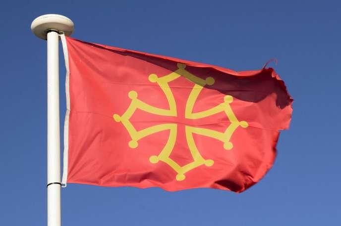 La croix occitane, ici au cap d'Agde : une création graphique des comtes de Toulouse au Moyen Age.