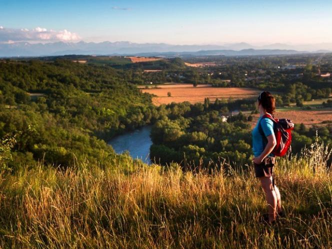 Depuis Via Garona, la vue sur les boucles de la Garonne est splendide.