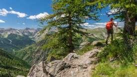 L'arrière-pays niçois regorge de cheminsde randonnée.