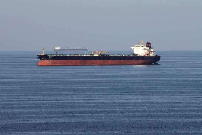 Un pétrolier passe le détroit d'Ormuz, le 21 décembre 2018.